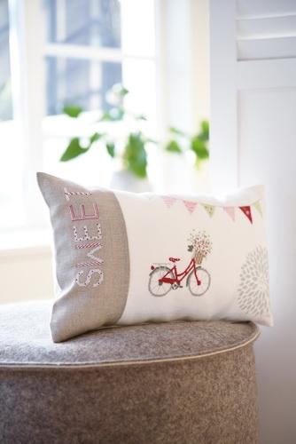 Kissenhülle -Fahrrad / Häuser-