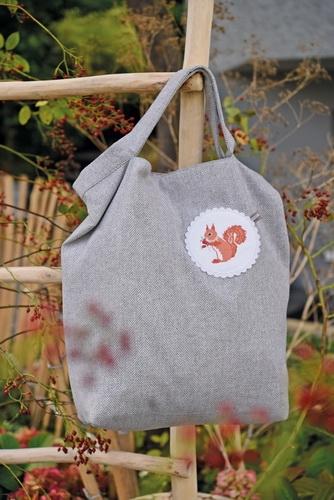 Stofftasche -Eichhörnchen und Ahorn-