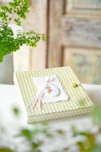 Pappmache-Schachtel mit Osterdeko