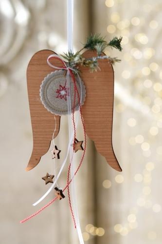 Holzflügel mit Stickbutton -klein-