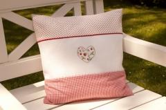 Stickpackung -Kissen Erdbeerherz-